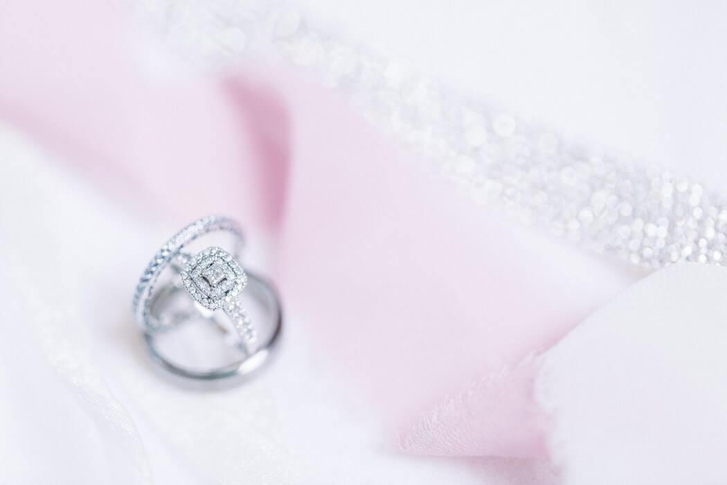 White topaz vs diamond engagement rings