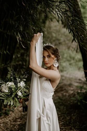 comfortable-wedding-earrings