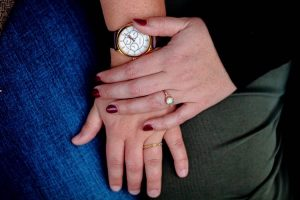 How to choose non diamond engagement rings