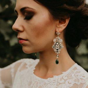 Kong emerald earrings