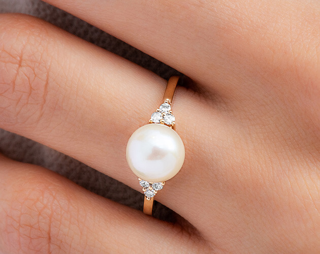pearl-engagement-ring-james-allen