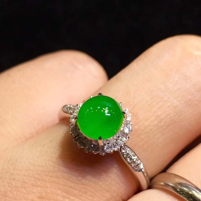 Luxurious jade engagement ring