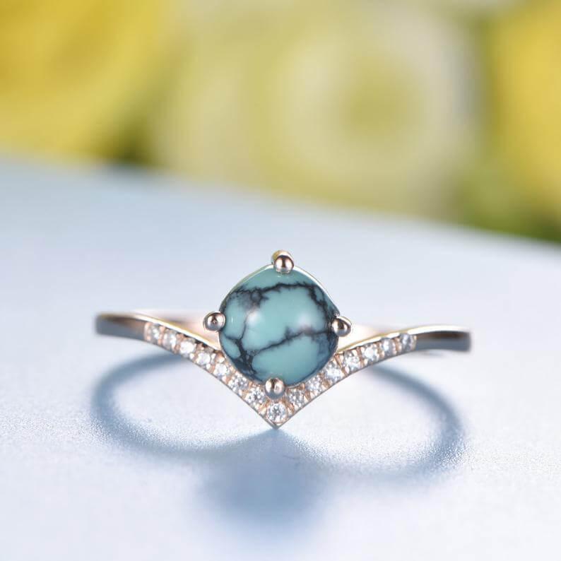 Shaped band turquoise ring