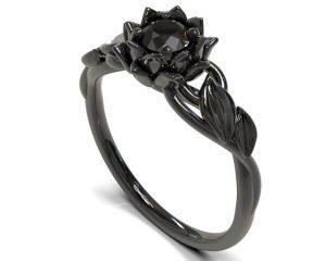Alternate metals ring