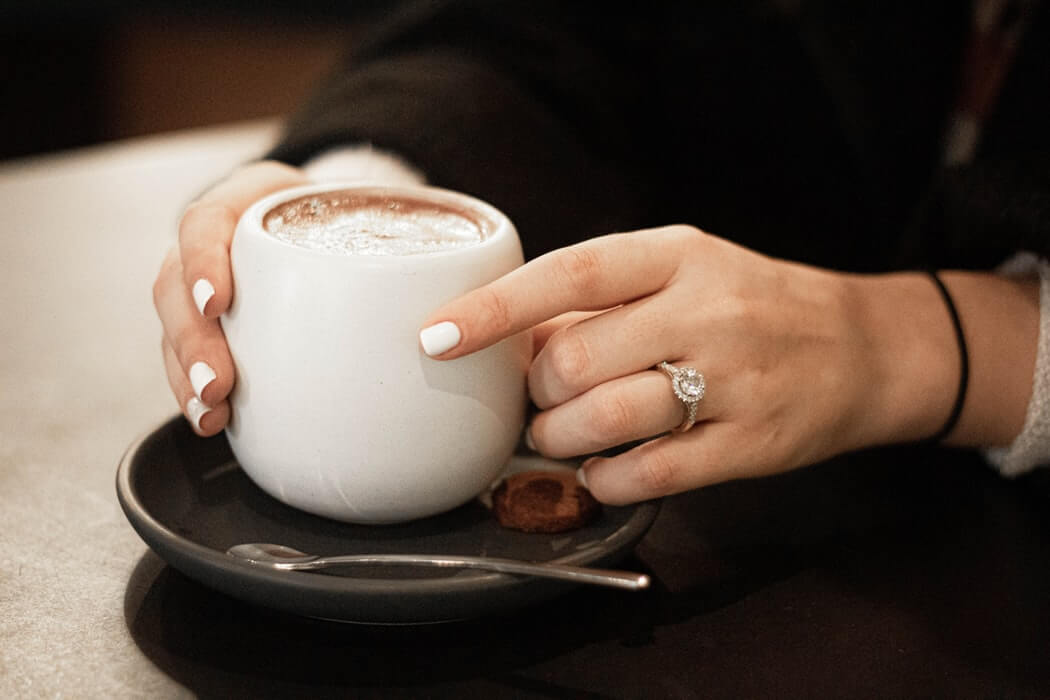 engagement-rings-for-fat-fingers