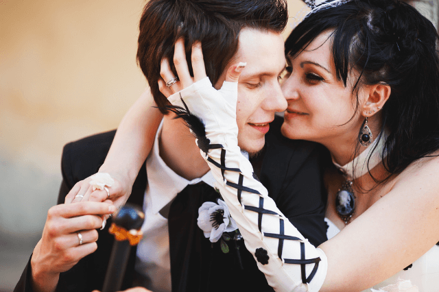 Gothic engagement rings guide