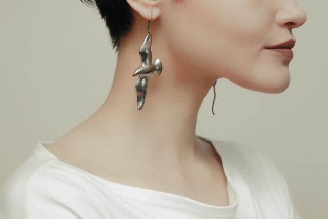 How to choose hypoallergenic earrings