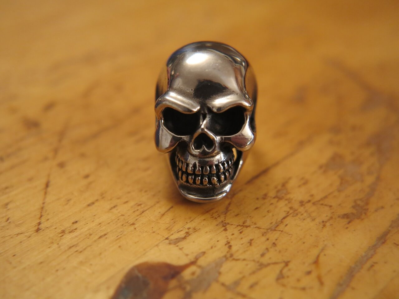 meaning-of-skull-engagment-ring