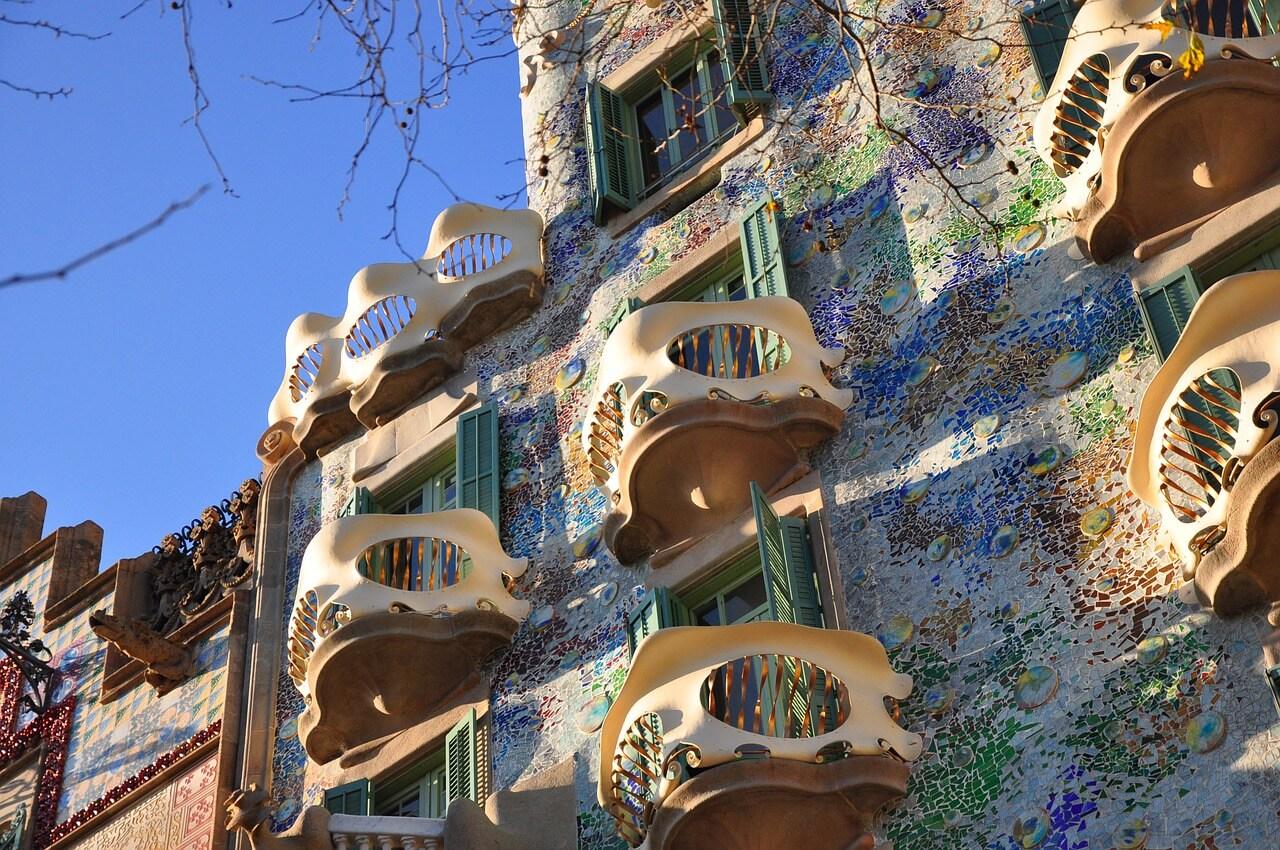 skull-in-architecture