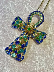 Stylish ankh brooch