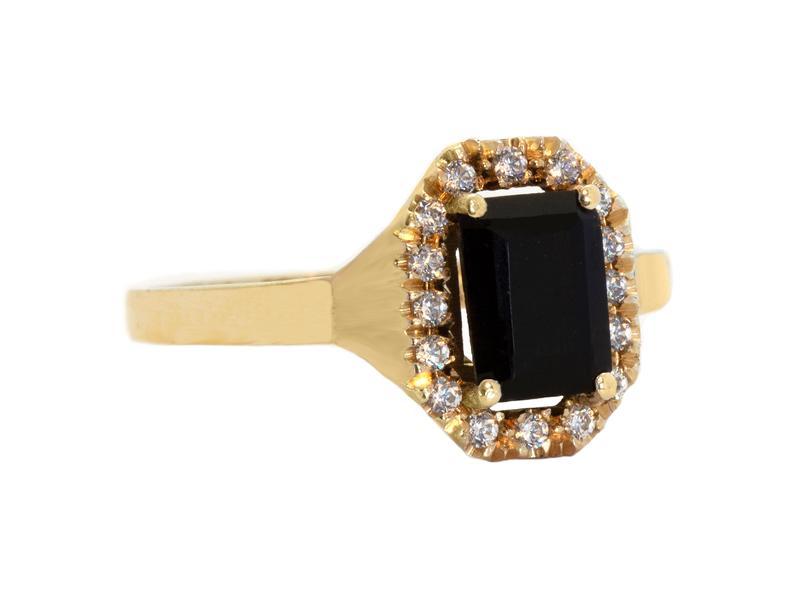 Yellow gold black sapphire