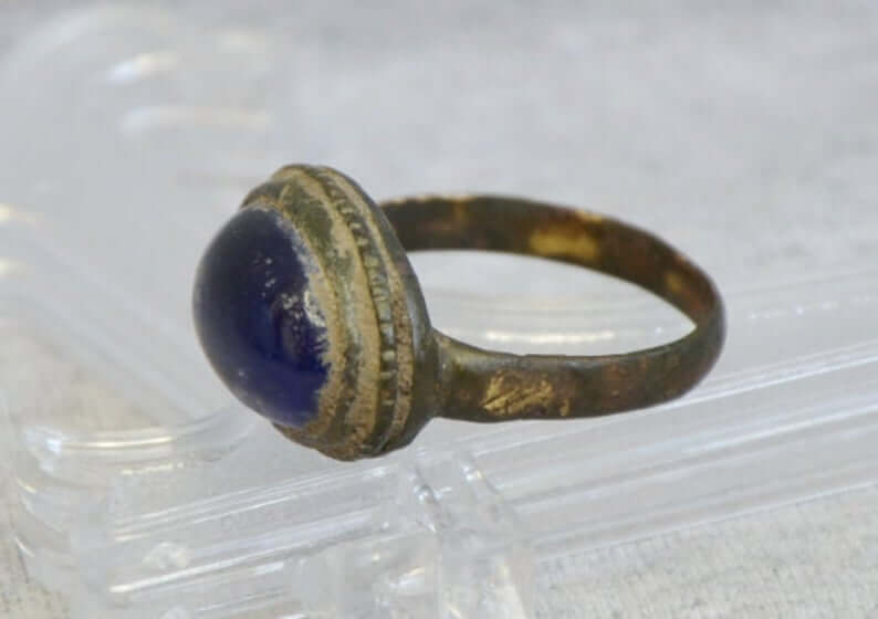 Antique bezel ring