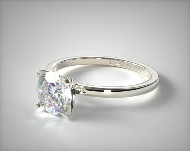 Prong setting engagement ring round cut diamond