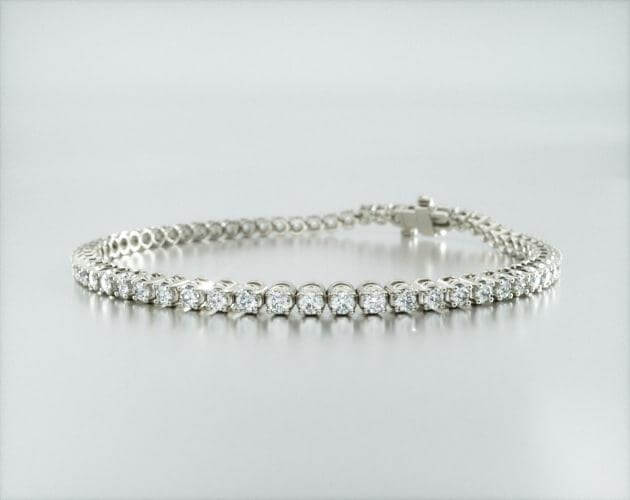 Tennis bracelet gift for the first anniversary