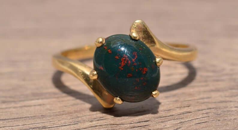 Green bloodstone ring