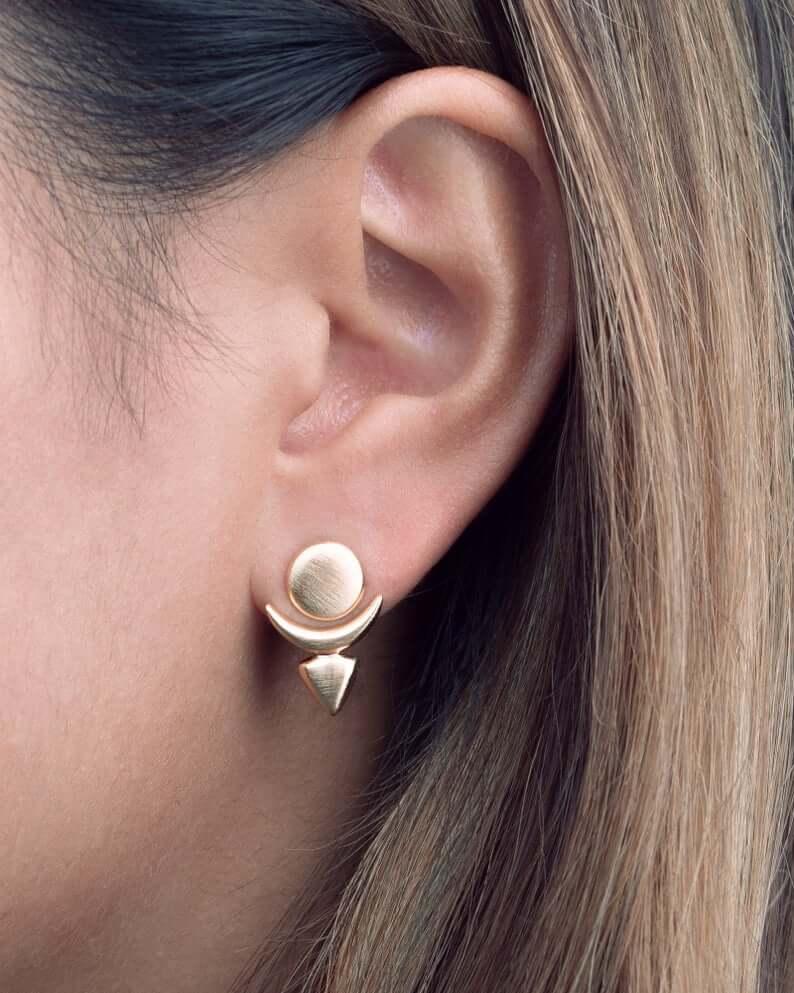 Floating stud earrings