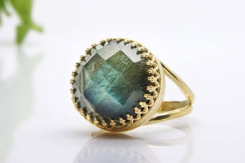 Labradorite gold ring