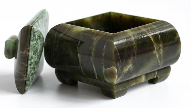 Onyx gemstone box