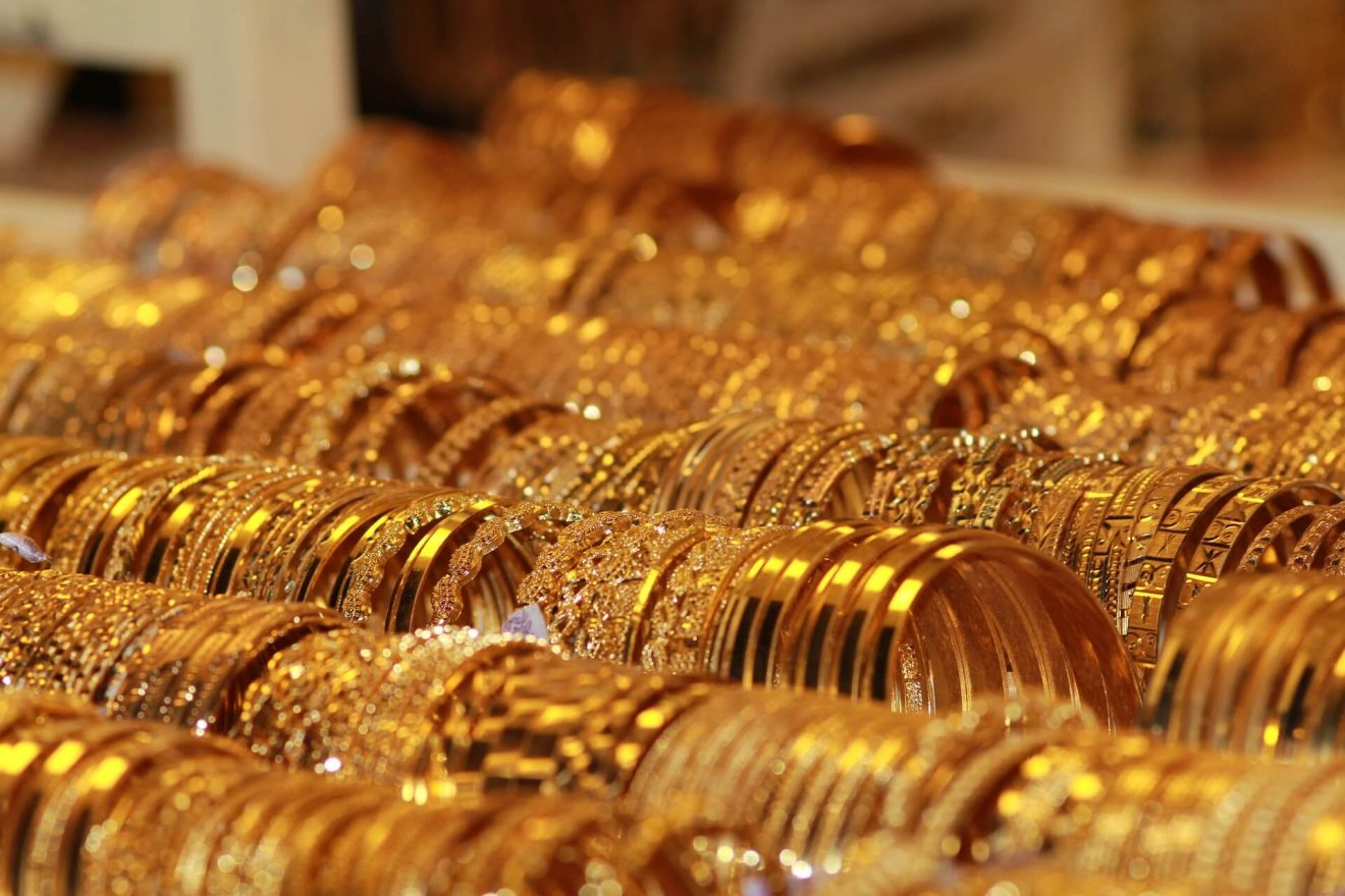 Solid gold vs gold plated jewelry