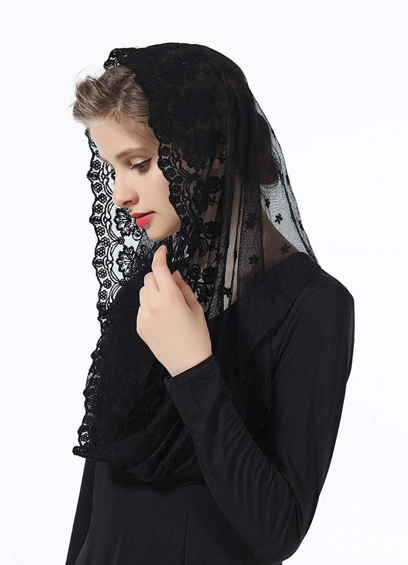 Black mantilla