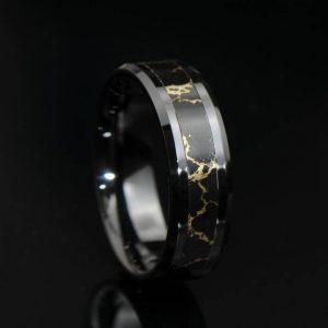Black onyx gold vein band