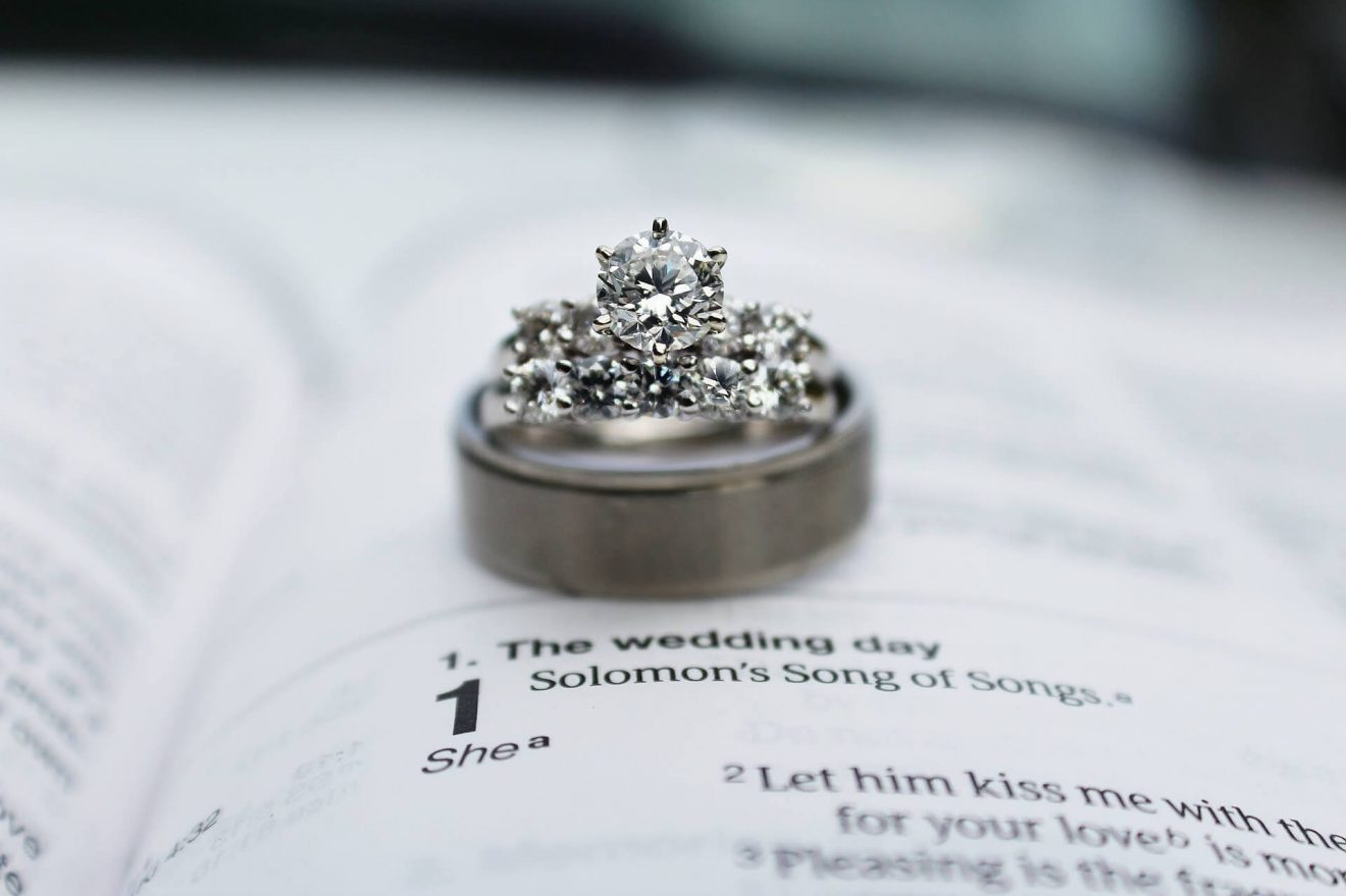 i1 clarity diamond in engagement ring