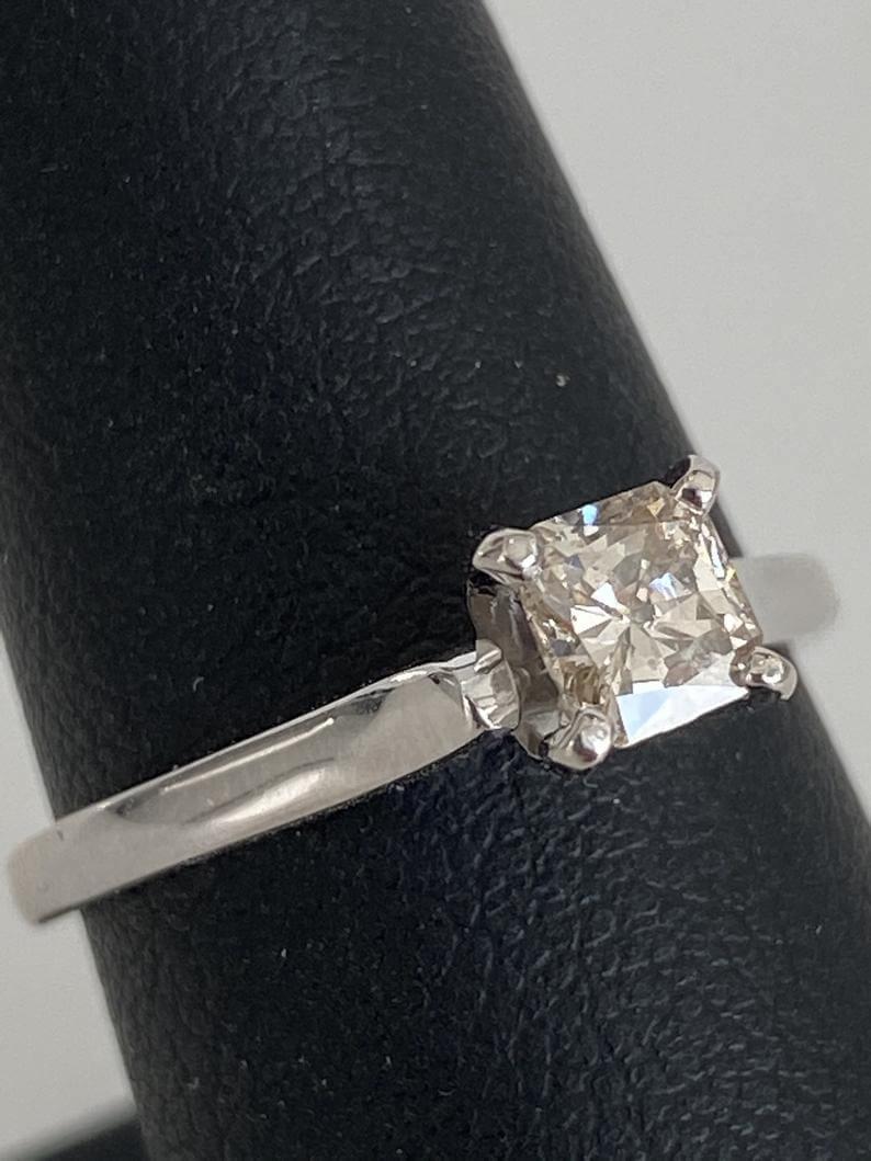 i1 clarity diamond ring