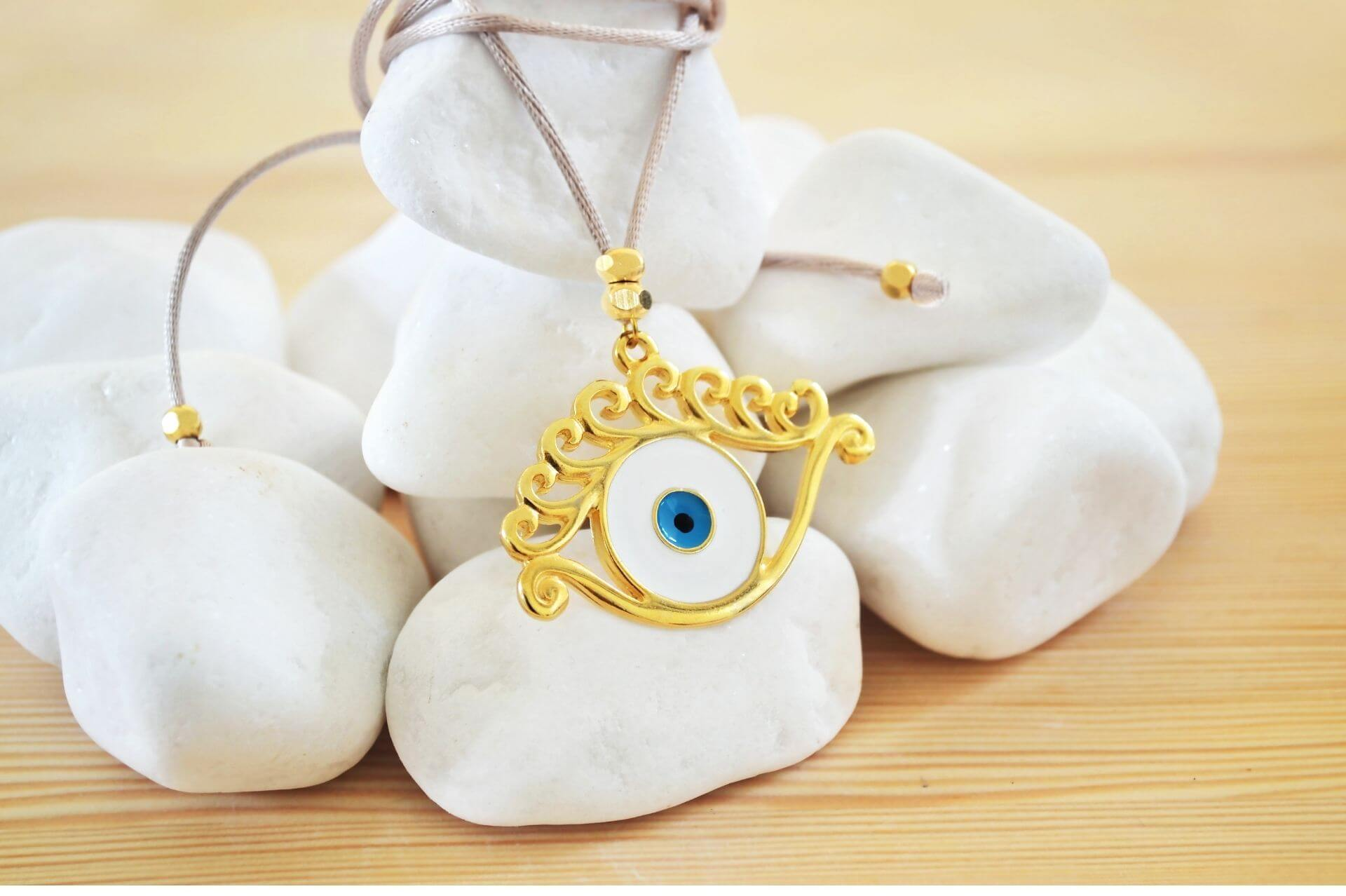 popular-jewelry-symbols-and-meanings-guide
