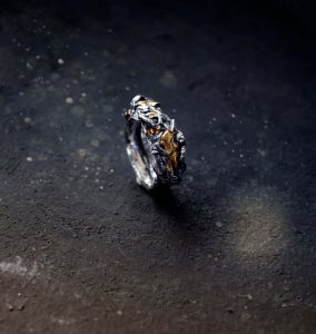Rustic bark ring