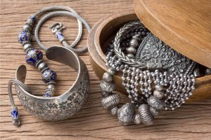 Types of silver for jewelry