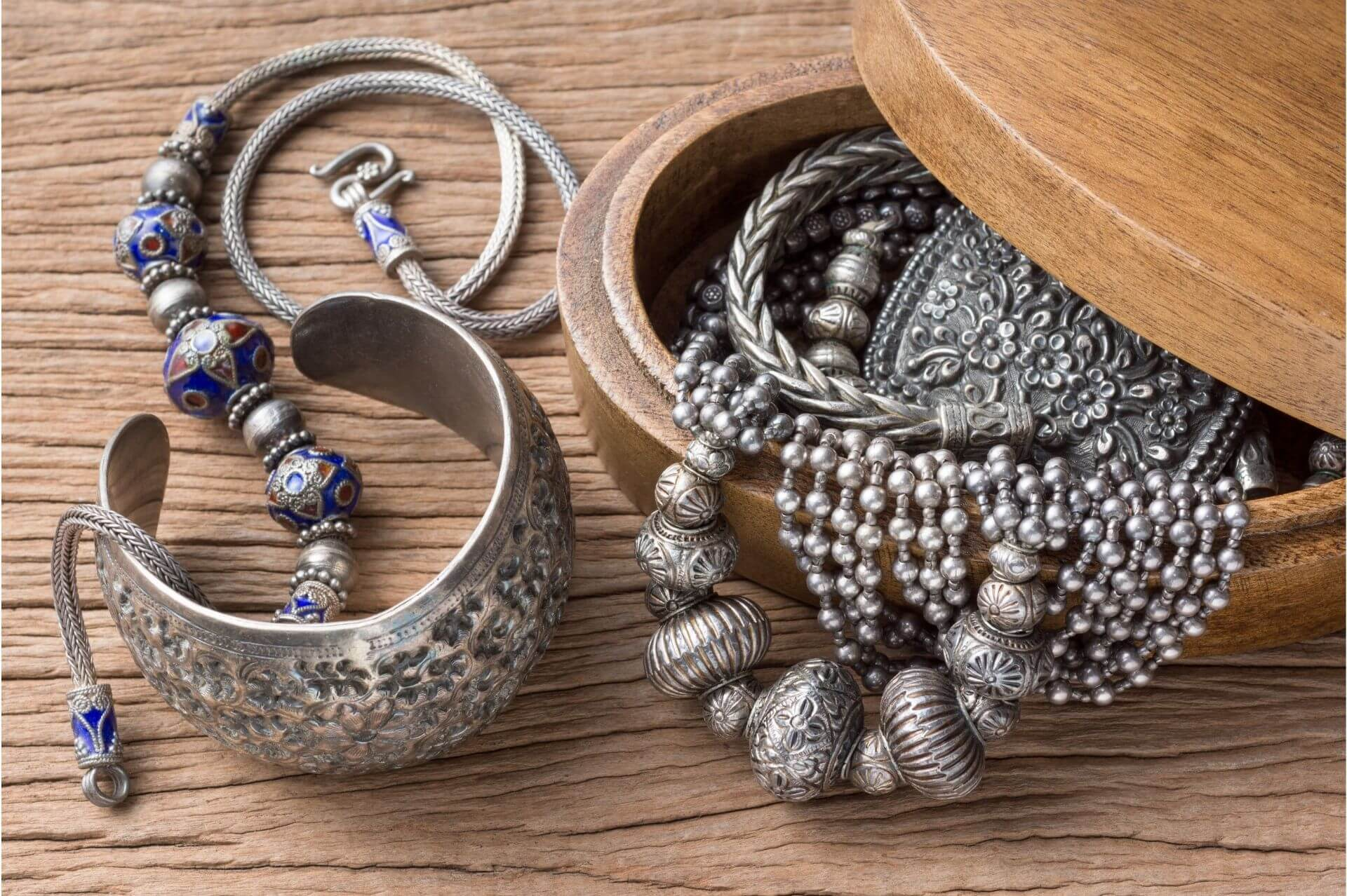 types-of-silver-for-jewelry-guide