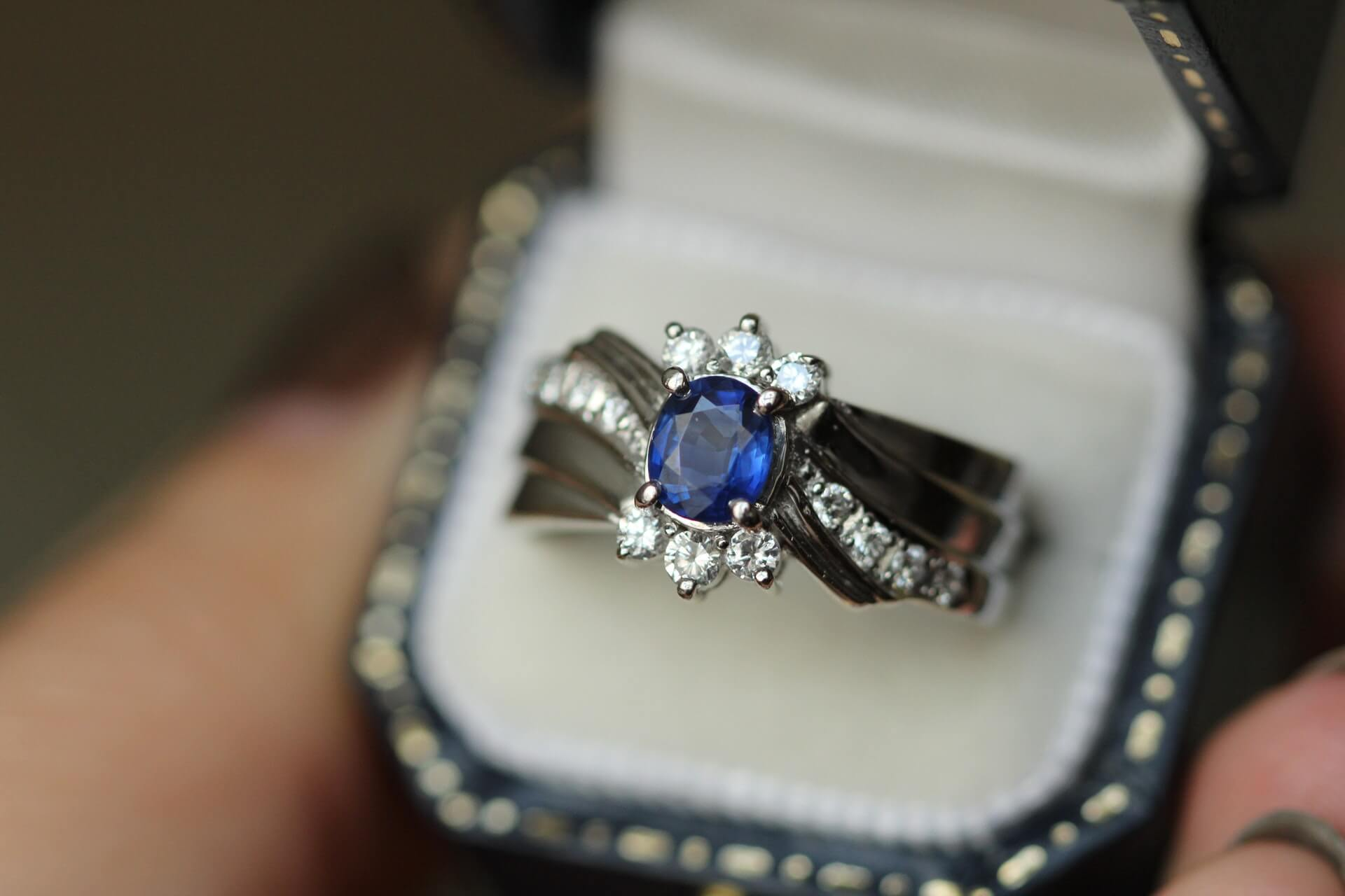 using-your-engagement-ring-as-a-wedding-band-guide