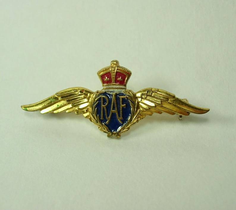 Royal air force pin Monet