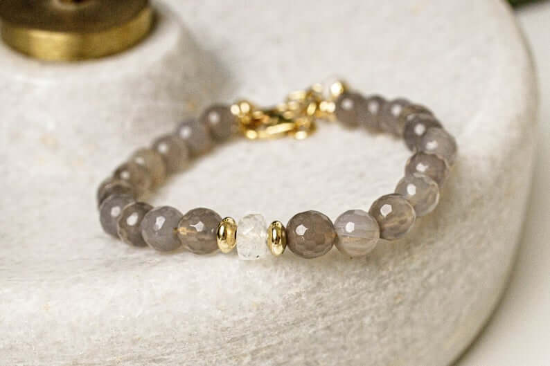 Gray chalcedony bracelet