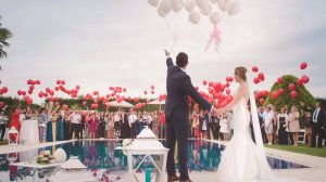 How to tip your wedding vendors guide