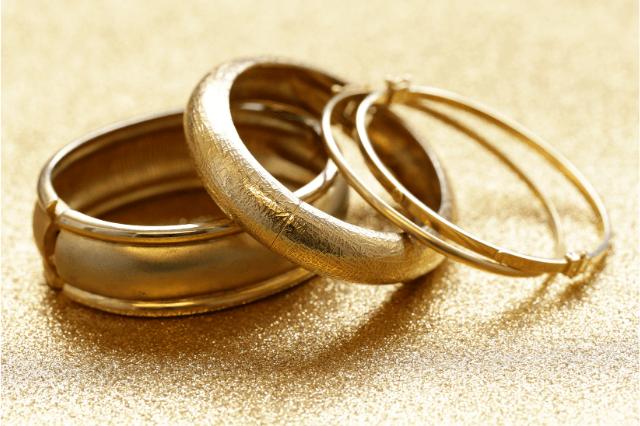Plain gold jewelry