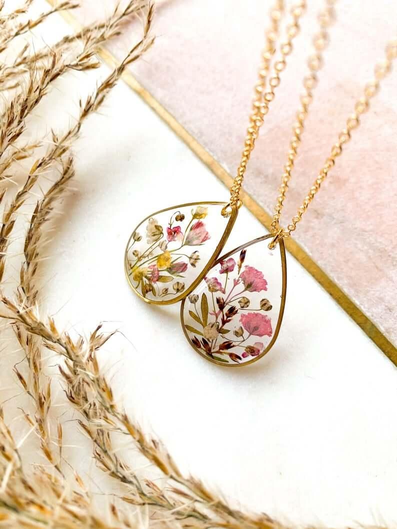 Preserved flower pendant