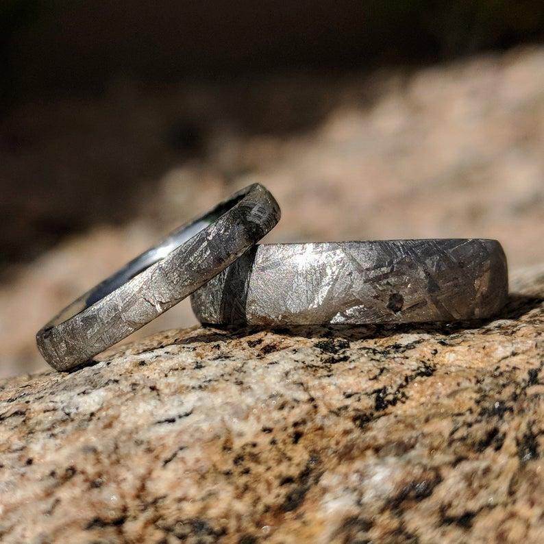 couples meteorite ring